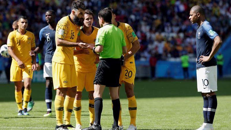Francia y Argentina arrancan su periplo