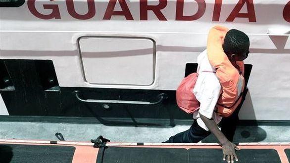 Francia ayudará a España en la acogida de los migrantes del Aquarius