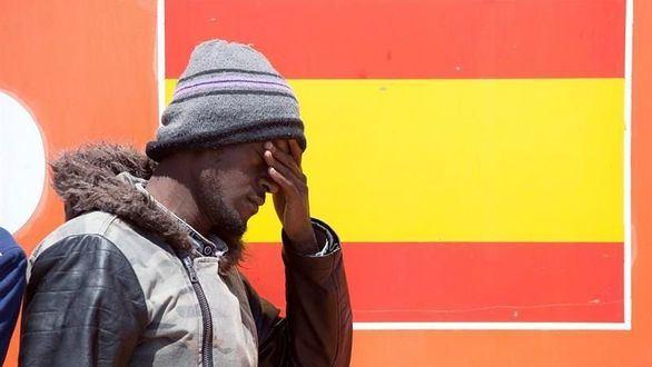 Marruecos permite una avalancha de pateras hacia España