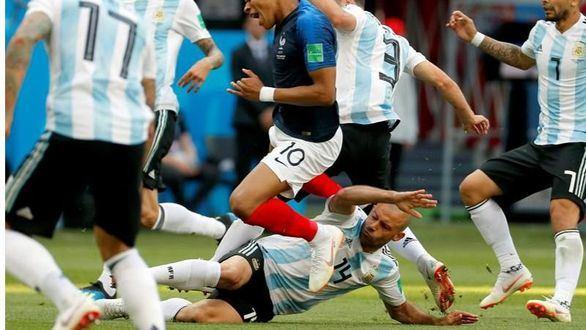Mascherano se convierte en el jugador más amonestado de la Copa del Mundo