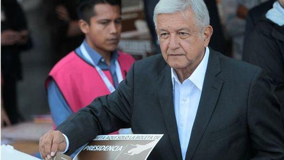 López Obrador ganaría las elecciones de México, según los sondeos