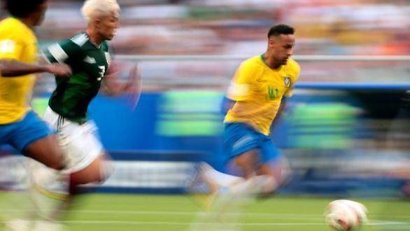 Neymar despega contra México y supera a Messi y Ronaldo