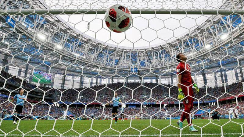 Francia domestica a Uruguay para alcanzar las semifinales |0-2