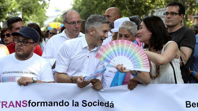 La masiva asistencia a la manifestación del Orgullo Gay colapsa Madrid