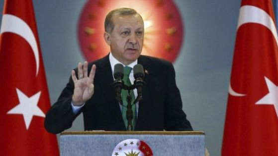Erdogan instaura el sistema presidencialista y aumenta su poder