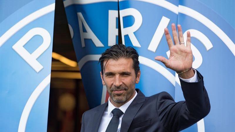 Buffon, presentado en el PSG con la