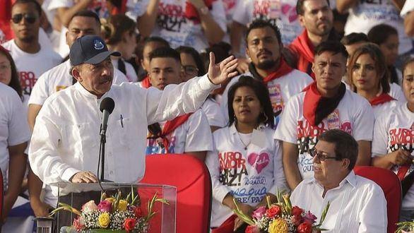 Tras el asesinato de 351 personas, Ortega echa la culpa a EEUU