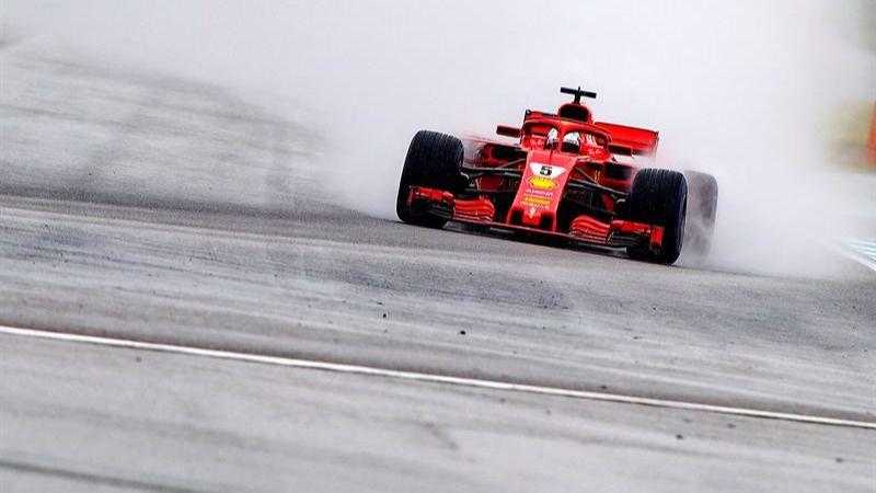 GP de Alemania. Descalabro mecánico de Hamilton y 'pole' de récord para Vettel