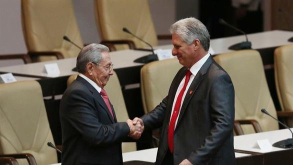 Cuba borra el comunismo de su Constitución y busca el socialismo