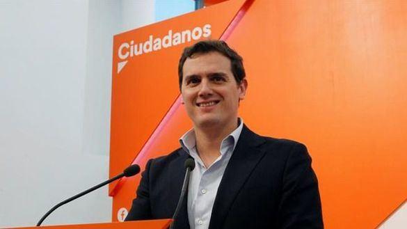 Rivera pide a Sánchez y a Borrell que cierren las embajadas de Torra