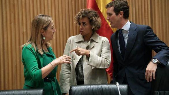 Sáenz de Santamaría planta a Casado en el Congreso