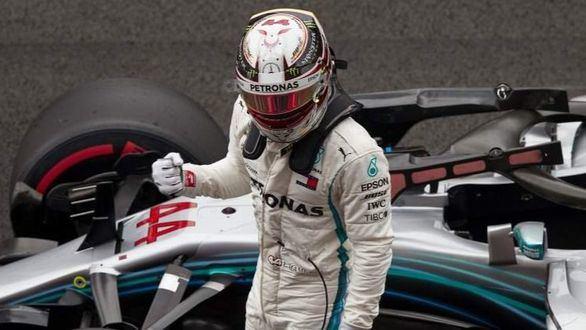 GP Singapur. Hamilton vuelve a golpear a Vettel: saldrá desde la 'pole'