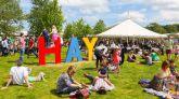 La escritora británica Afua Hirsch participa en el Hay Festival