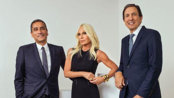 El grupo Michael Kors compra Versace por 1.803 millones de euros
