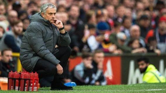 Mourinho, contra las cuerdas: enfrentado a Pogba y eliminado por un 'segunda'