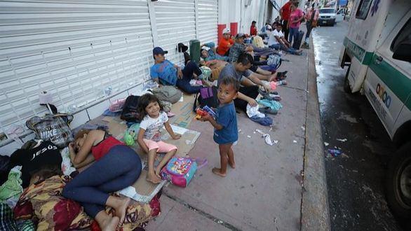 Trump denuncia que en la caravana de migrantes hay