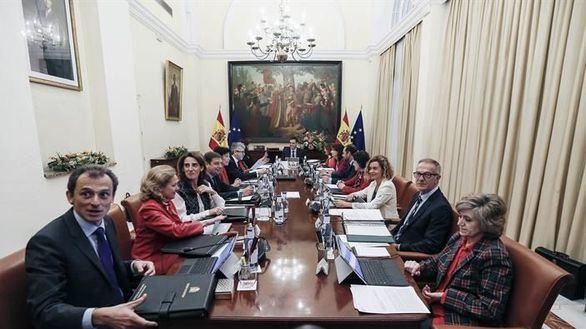 Manifestaciones y protestas en Sevilla por el Consejo de Ministros