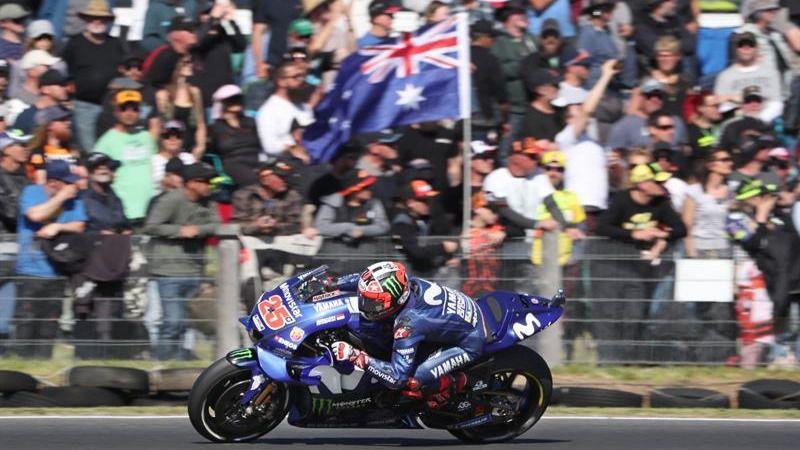 GP Australia. Viñales, lloroso, gana y toma el relevo de Márquez