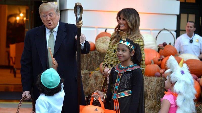 Donald y Melania Trump celebran la fiesta de Halloween en la Casa Blanca