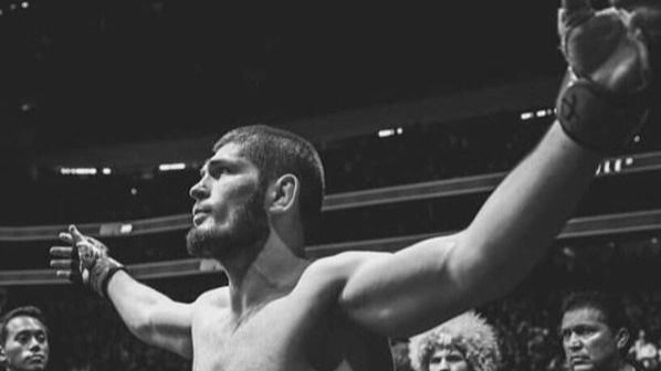 UFC. Khabib pide 50 millones para volver al octágono y White reta a Mayweather