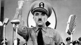El actor británico Charles Chaplin escribió, dirigió y protagonizó 'El gran dictador'.