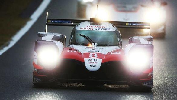 El equipo de Alonso sigue líder pero el triunfo en China es para 'Pechito'