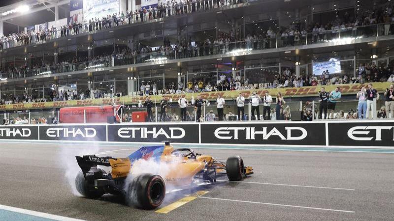 GP Abu Dabi. Fernando Alonso disfruta su adiós y Hamilton, de otra victoria