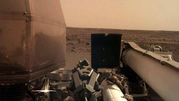 La sonda InSight envía las primeras imágenes de su nuevo hogar en Marte