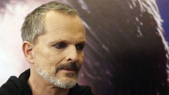 Admitida a trámite la demanda de la expareja de Miguel Bosé contra el cantante