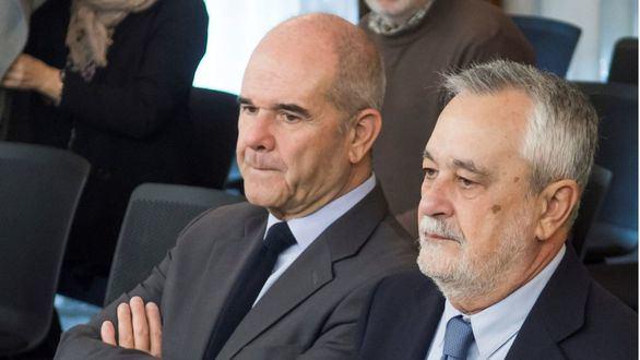 Chaves, Griñán y Areces, citados a comparecer sobre los fondos de formación