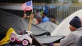 El bloqueo de la frontera californiana lleva a la caravana migrante en dirección a Arizona