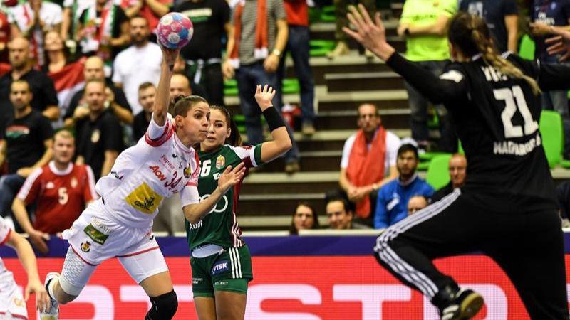 Europeo femenino. Hungría complica a España con una paliza | 32-26