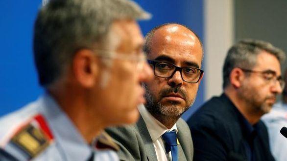 El consejero de Interior catalán se desdice y apoya ahora a los Mossos