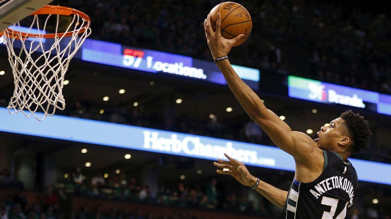 NBA. Curry salva el liderato de los Warriors y Antetokounmpo grita atención