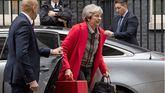 Theresa May, llega a Downing Street, este viernes.