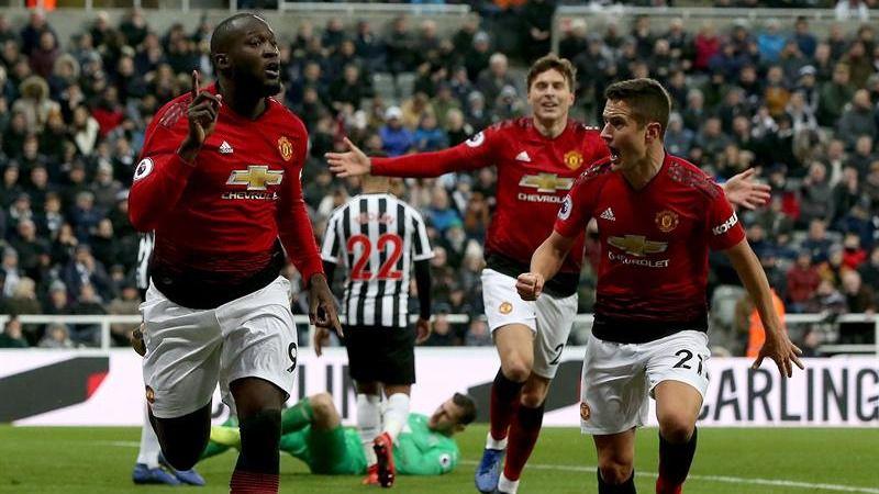 Premier League. El Manchester United sigue restregando victorias a Mourinho
