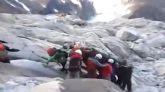 Imágenes de televisión de uno de los tres montañeros españoles que junto a su guía peruano murieron este fin de semana a causa de una avalancha en los Andes de Perú.