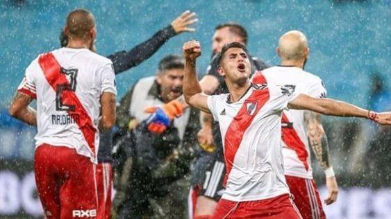 Palacios se ofrece al Real Madrid, Pepe vuelve con Casillas y otros fichajes