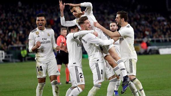 Ceballos salva al Real Madrid de un nuevo fiasco liguero ante el Betis  1-2