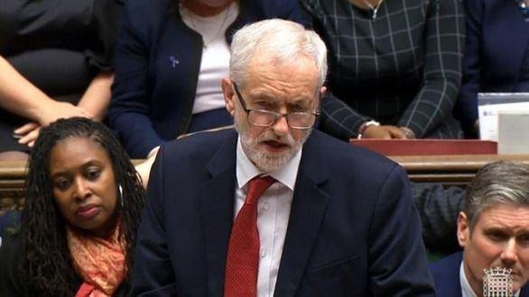 Corbyn presenta una moción de censura
