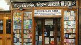 La librería más antigua de Madrid cuelga el cartel de 'cese de actividad'