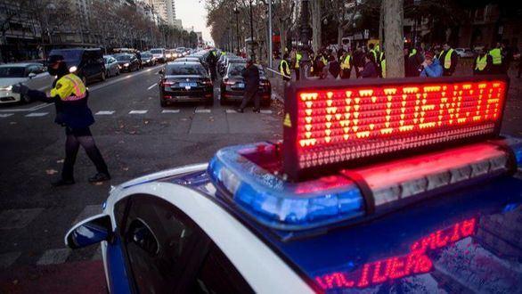 Uber y Cabify amenazan con dejar Barcelona si el Govern cede al 'chantaje'