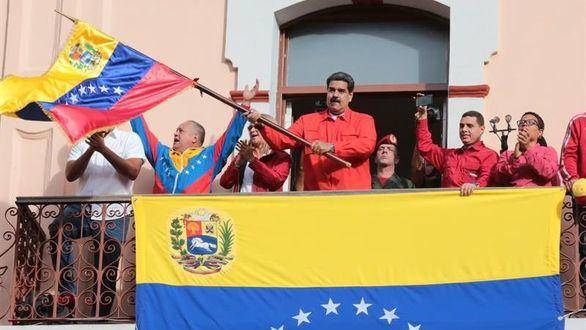 Maduro denuncia ante la OEA un 'golpe de Estado' y rechaza un debate regional