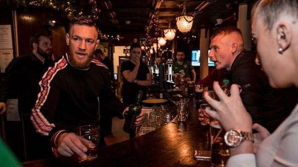 UFC. McGregor rompe su profesionalidad y se burla de Khabib por la sanción