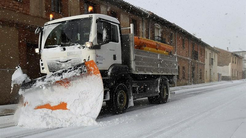 Sábado de nieve y viento: 39 provincias en alerta por la borrasca Helena