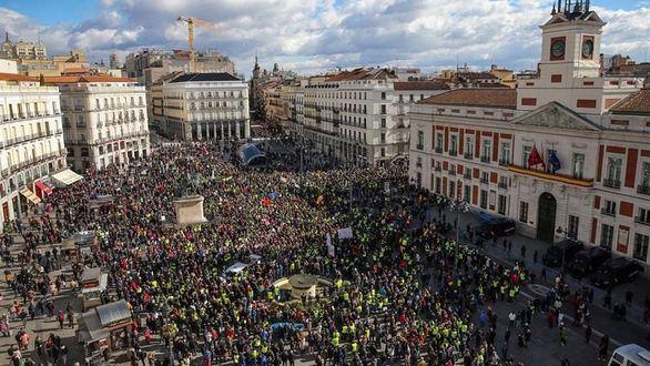 Los taxistas se unen a las protestas de los jubilados para colapsar Madrid