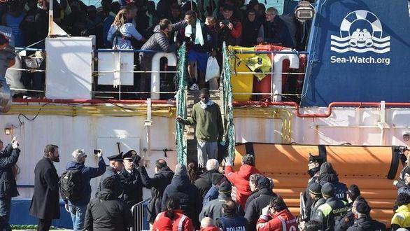 Las ONG se quedan sin barcos para rescatar a migrantes en el Mediterráneo