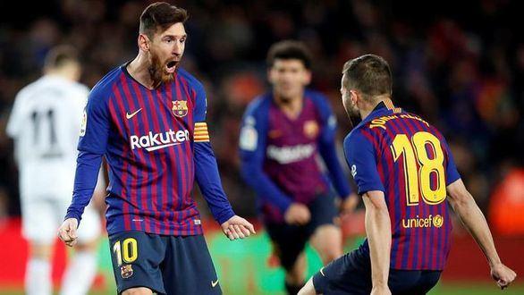 Una genialidad de Messi rescata al Barcelona ante el Valencia |2-2