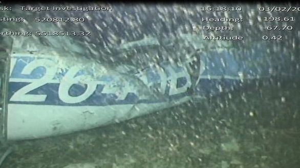 Hallado un cuerpo entre los escombros del avión en el que viajaba Emiliano Sala