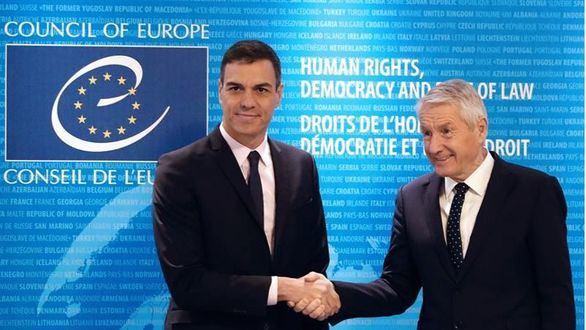 Sánchez defiende en Estrasburgo a la justicia española